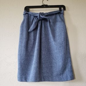 Knit straight skirt with knotted waist